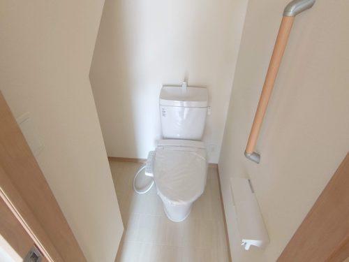 1階トイレ シャワー便座
