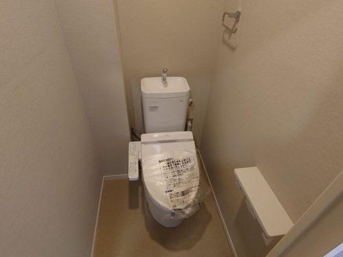 トイレ(ウォシュレット便座付き)